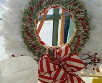 Raffle Item – White Wreath!